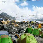 Ķīna slēdz Everestu