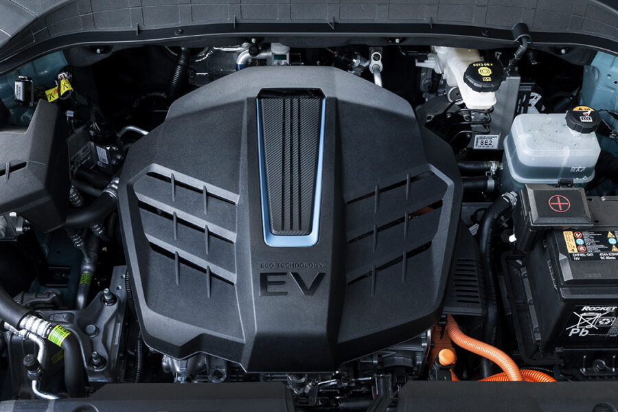 Hyundai Kona Electric skats uz motora telpu.