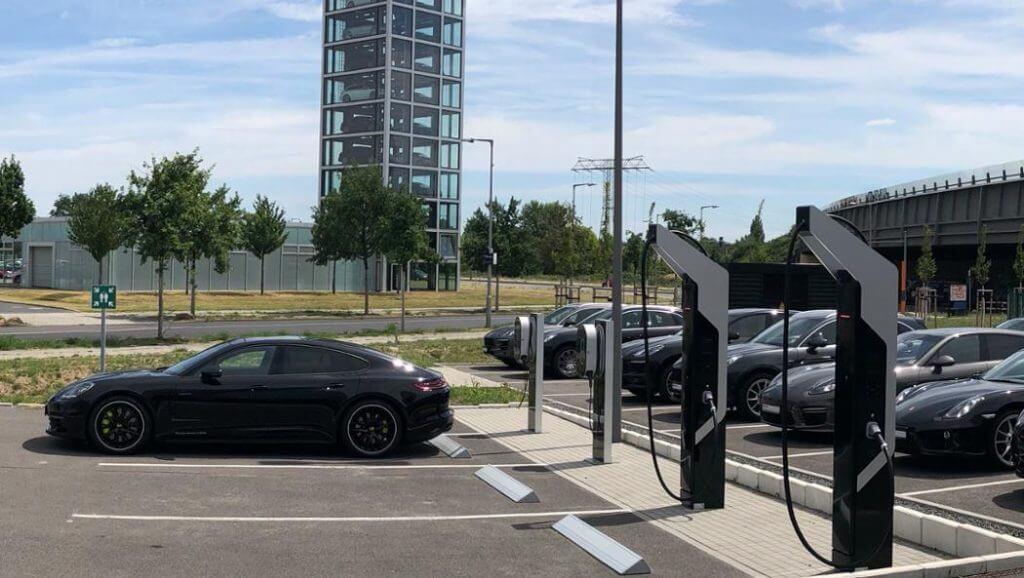 Porsche uzlādes stacijas