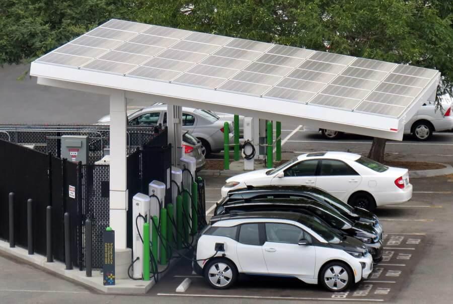 EVGo elektromobiļu uzlādes stacija