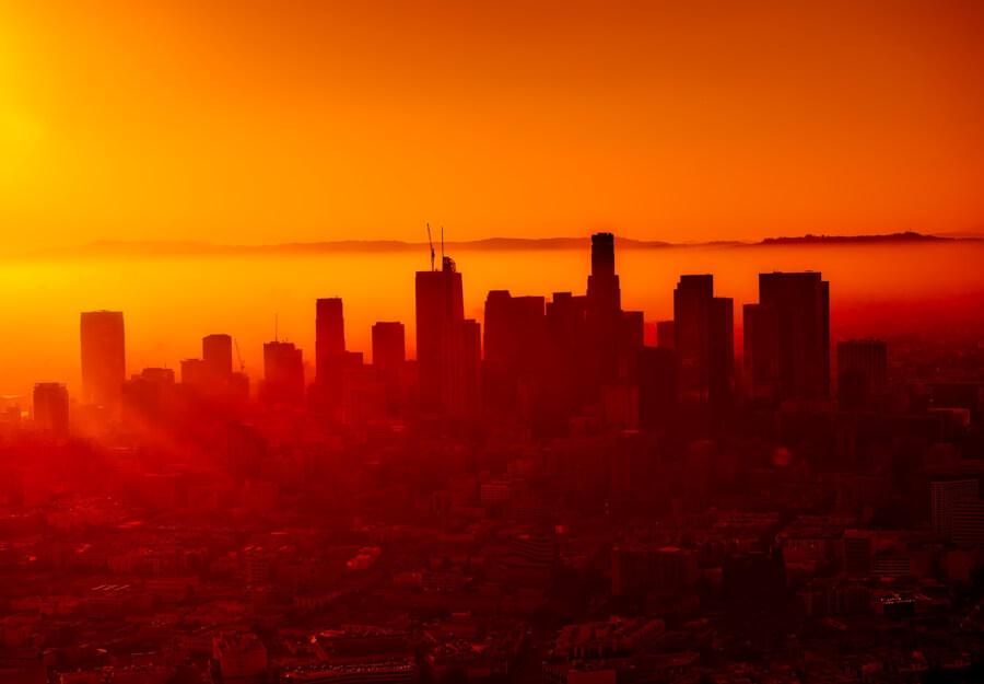 Los Andželosa smogā