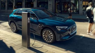 Audi pret Tesla - uzlādes sacīkstes 7