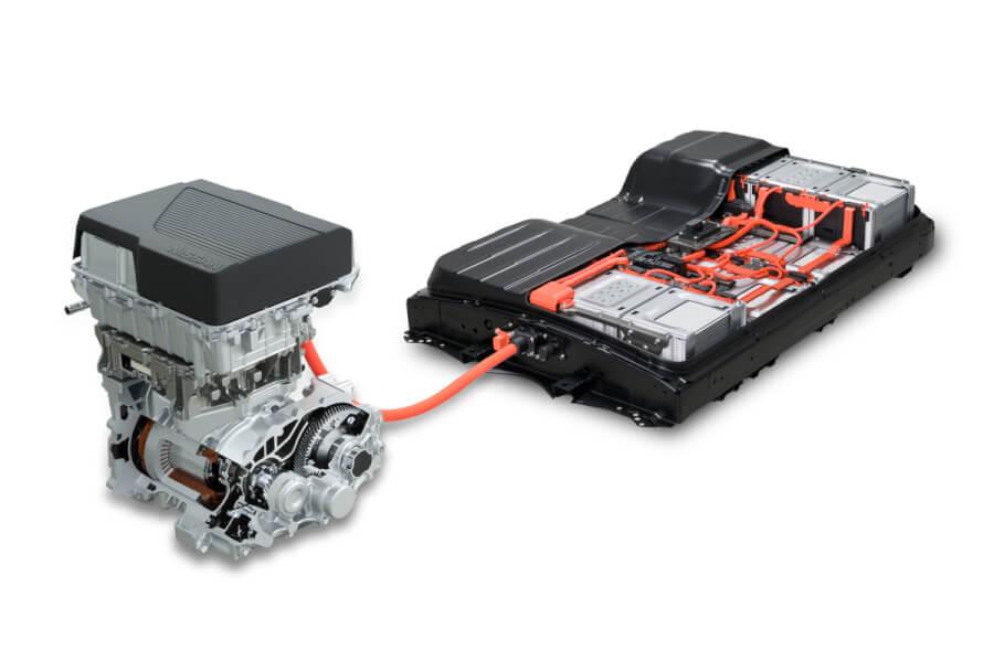 62kWh bateriju paka un motors