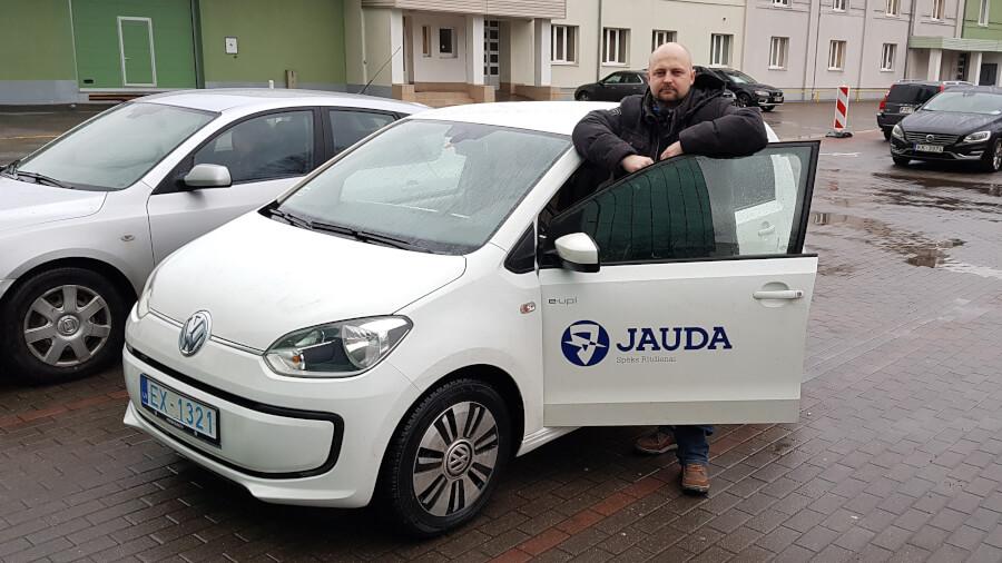 Jānis Valmiers ar darba VW eUp!