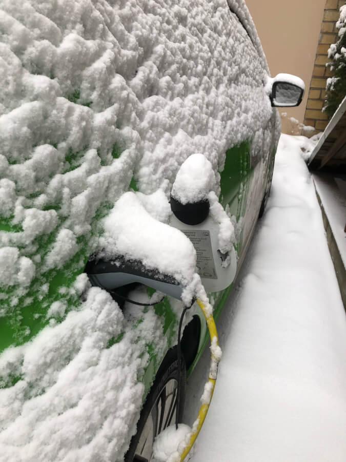 Kārļa VW e-Up! ziemā