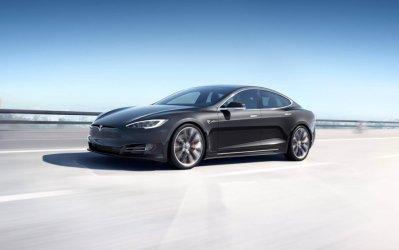 Dārgie Tesla nīdēji 3