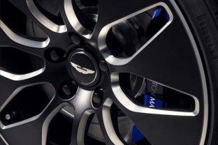 Elektriskais Aston Martin ir prezentēts 8