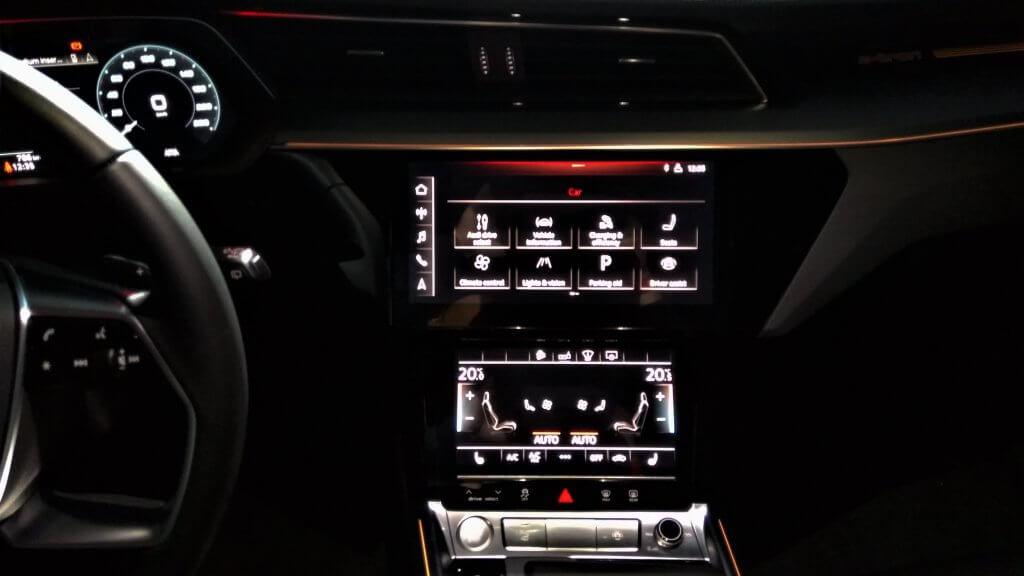 Audi e-tron salons