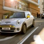 Mini Cooper SE ar BMW i3