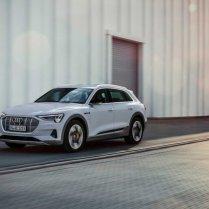 Audi atklāj lētāku e-tron variantu 2