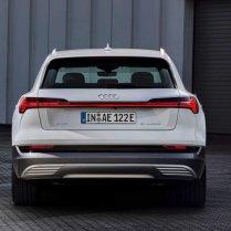 Audi atklāj lētāku e-tron variantu 5