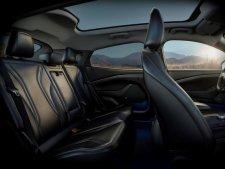 Elektriskais Ford Mustang Mach-E 13