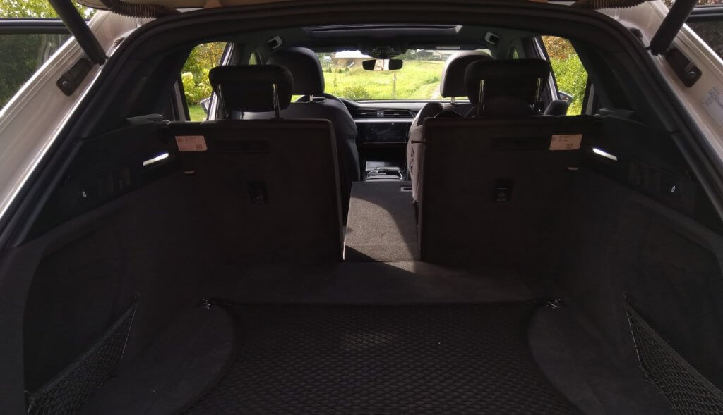 Audi e-tron 55 bagāžnieks