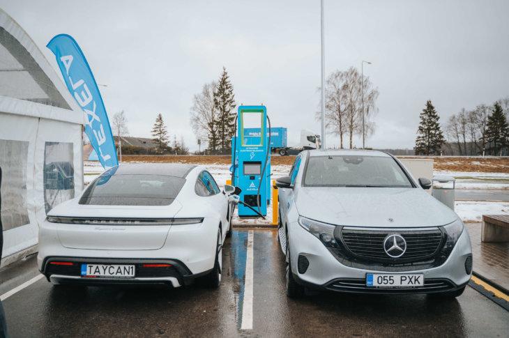 Porsche Taycan un Mercedes-Benz EQC Eleport & Alexela 160 kW uzlādes stacijas atklāšanā
