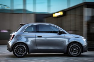 "Fiat 500 ""la Prima"" - pilsētas elektroauto ar šiku 9"