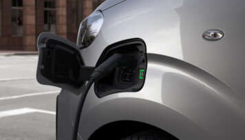 Elektrisko furgonu trīnīši - Opel, Peugeot, Citroen (+Toyota) 4