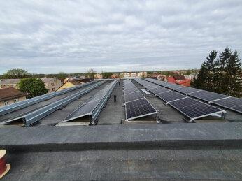 Uzsākta saules paneļu uzstādīšana uz Gulbenes pašvaldības administrācijas ēkas jumta 3