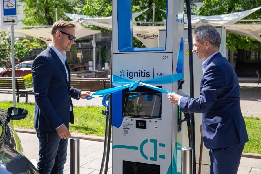Ingitis ON 320 kW uzlādes stacijas atklāšana
