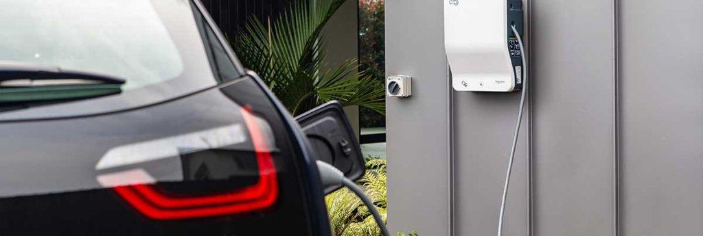 Schneider Electric EVlink Wallbox uzlādes stacija