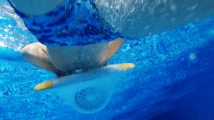 Mācies peldēt ar LESWIM elektrisko pelddēli 9