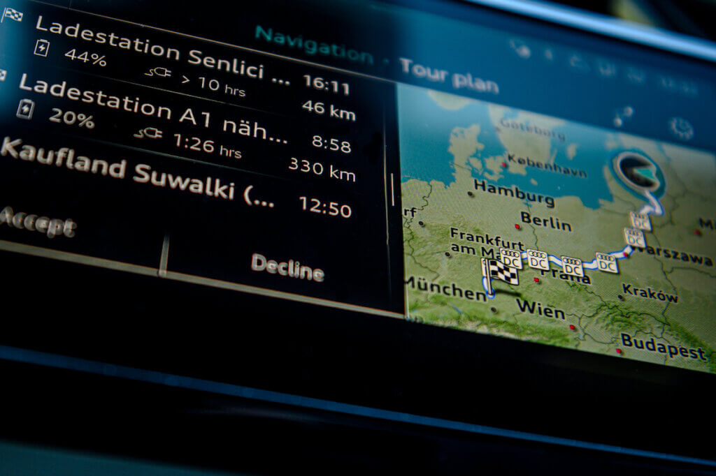 Audi e-tron maršruta plānošana