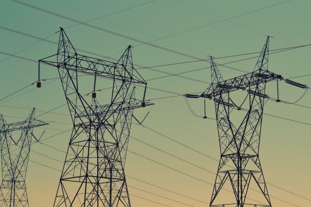 Elektrības transmisijas torņi