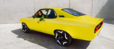 Opel atrāda Manta EV pārveidots retromodelis ar manuālo pārnesumkārbu 1
