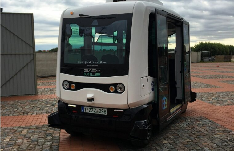 Autonoms autobuss