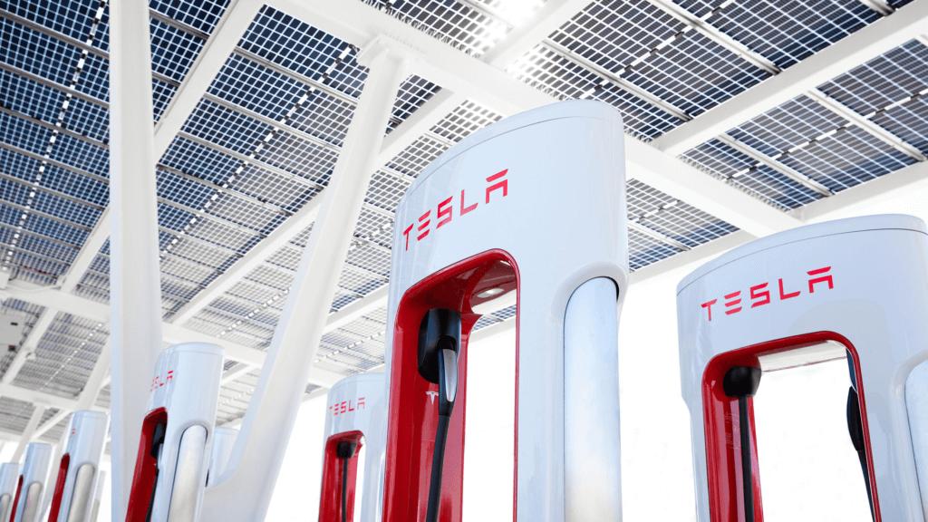 Tesla Supercharger uzlādes vieta
