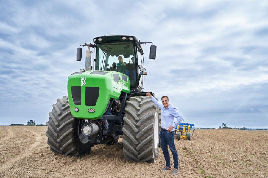 AUGA M1 traktors