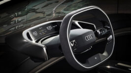 Audi prezentē otro no trim konceptauto – Audi grandsphere 3