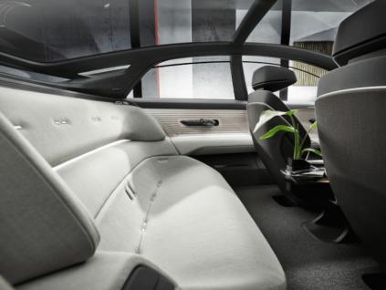 Audi prezentē otro no trim konceptauto – Audi grandsphere 6