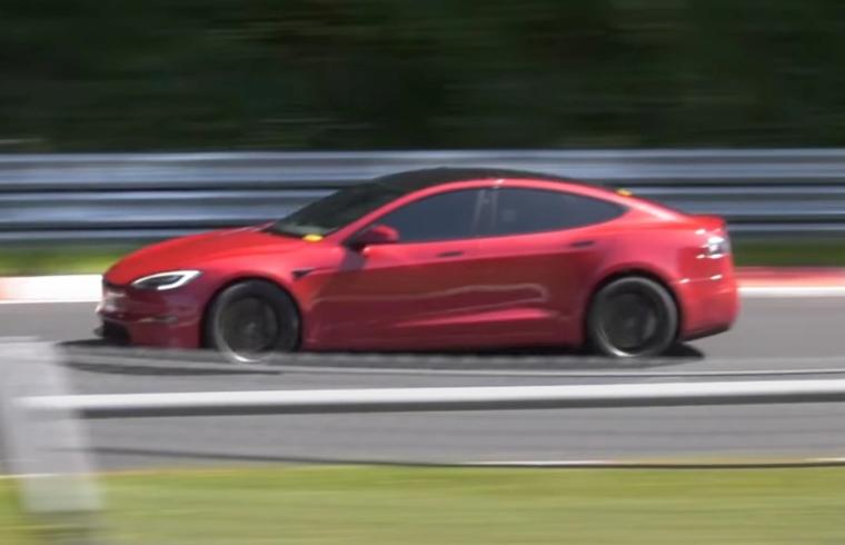 Tesla Model S Plaid Nirburgringā